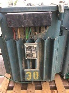 待售:余東電機 油浸式三相變壓器⑨